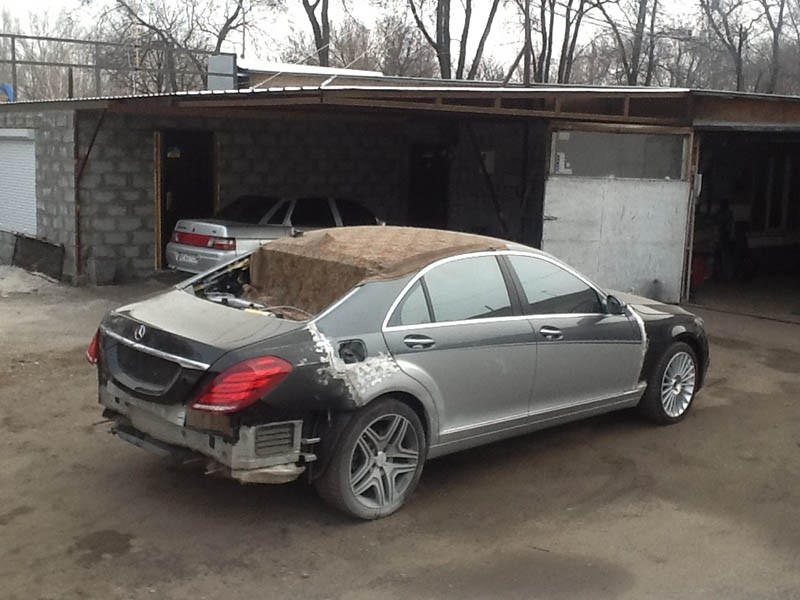 Crazy Russians Turn Old W221 S Class Into A New W222 Model