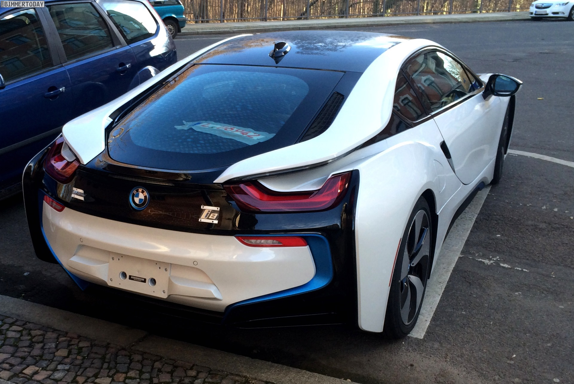 BMW I8 White >> Crystal White BMW i8 Spotted in Leipzig - autoevolution