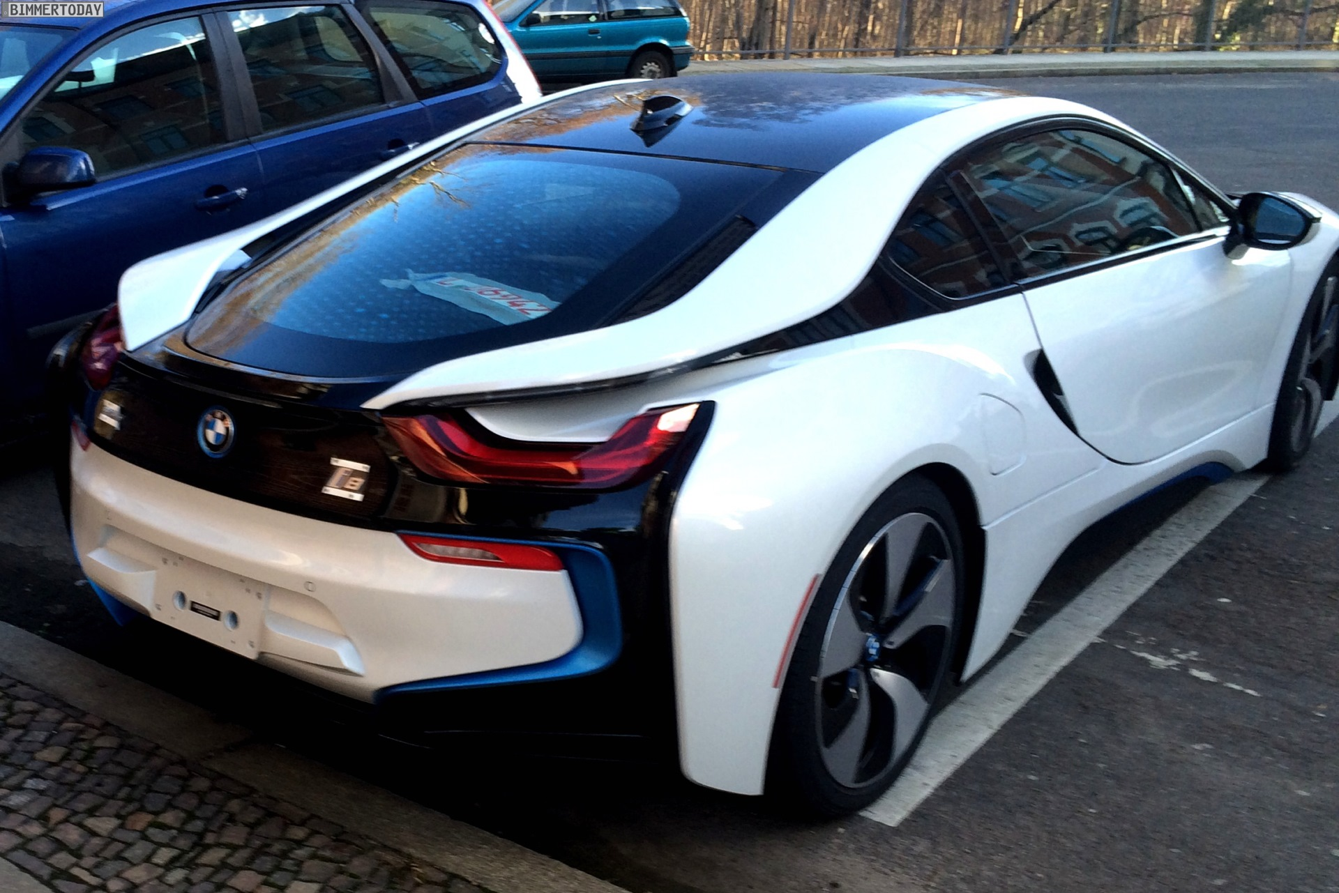 Crystal White Bmw I8 Spotted In Leipzig Autoevolution