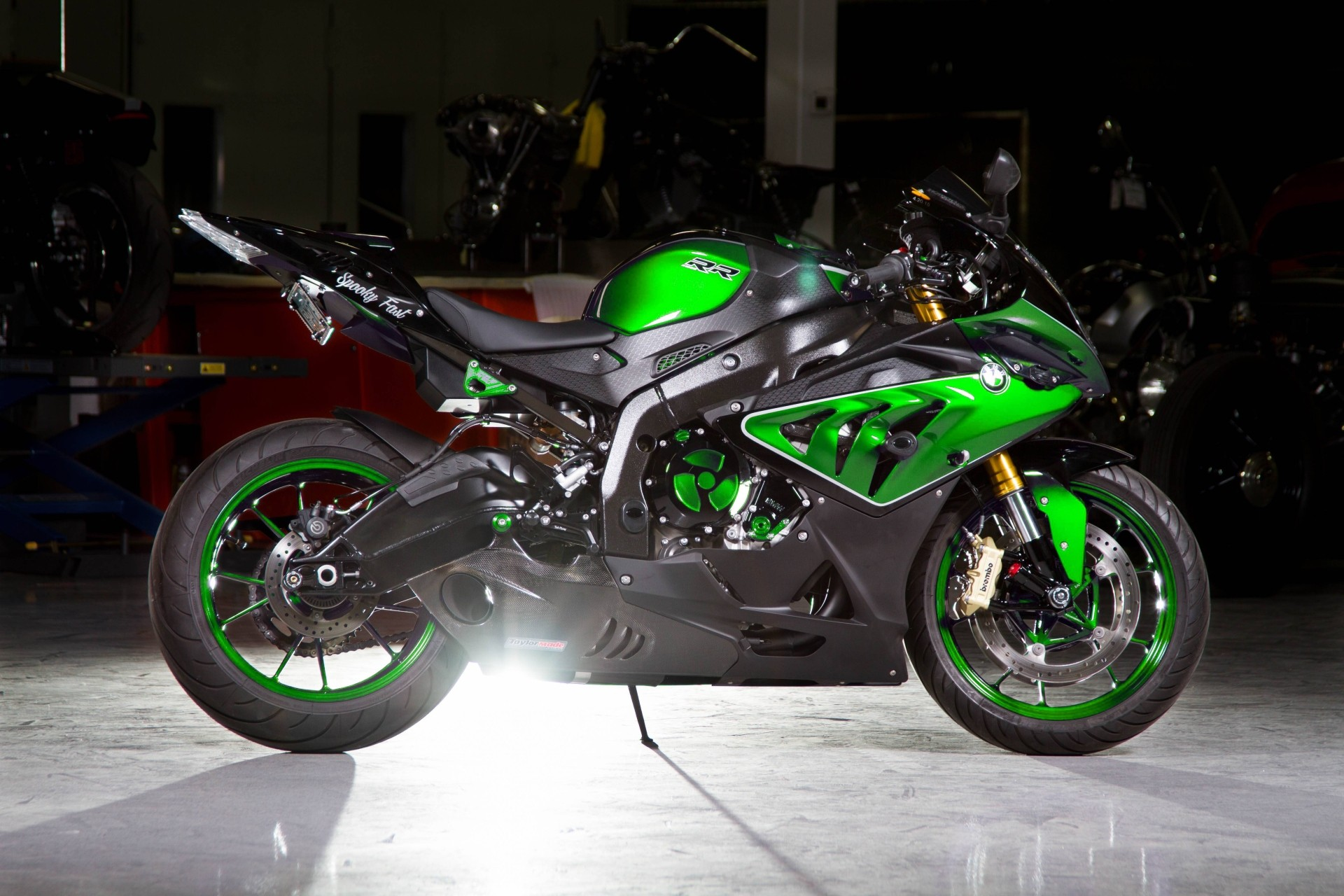 custom paint bmw s1000rr looks painfully awesome