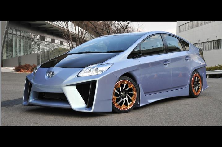 Custom Toyota Prius Looks Like A Lamborghini Veneno