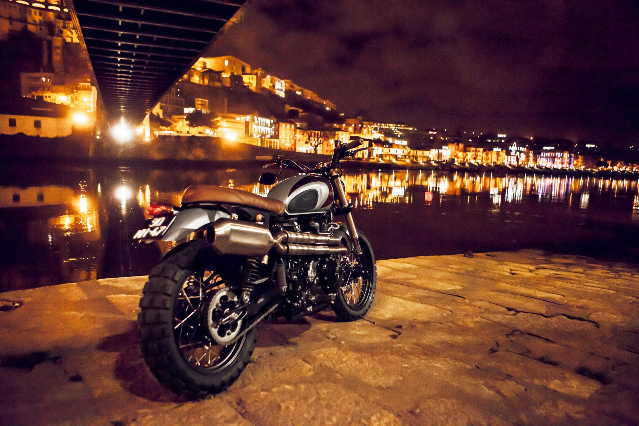 Custom triumph scrambler by ton up garage autoevolution for Newspaper wallpaper for sale