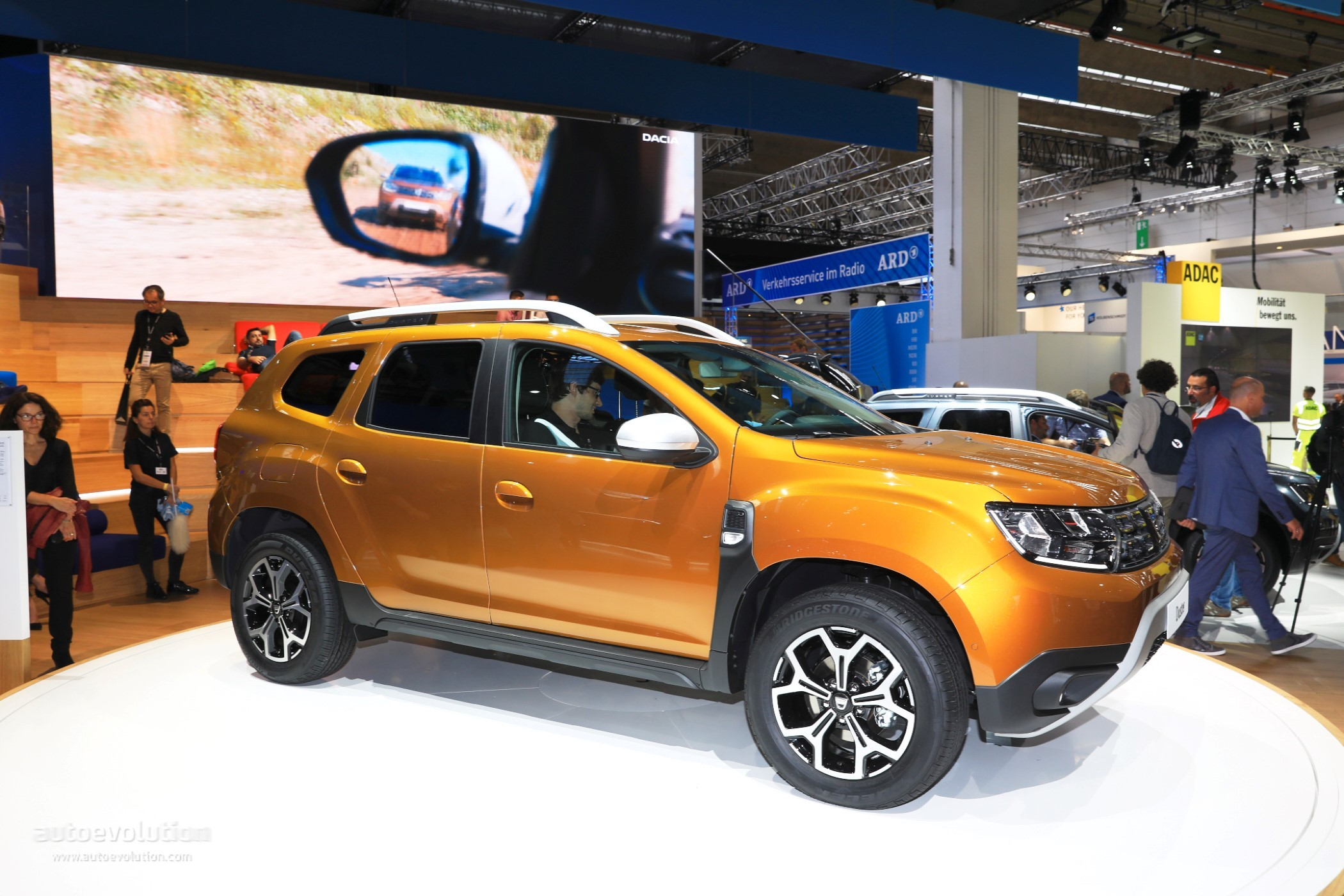 dacia blue dci 1 5 liter turbo diesel introduced to duster. Black Bedroom Furniture Sets. Home Design Ideas