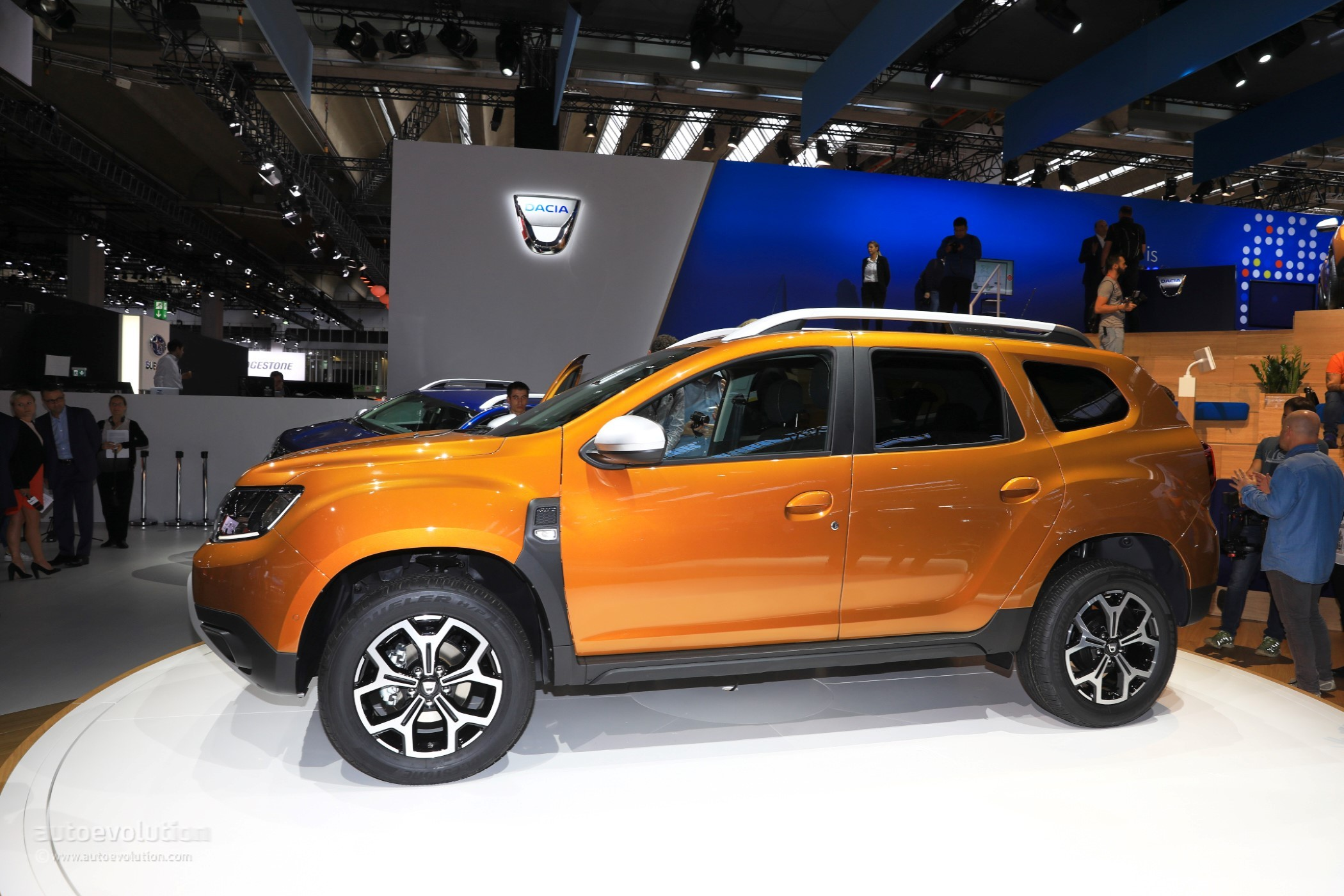 2018 dacia duster 2 is probably the cheapest compact. Black Bedroom Furniture Sets. Home Design Ideas