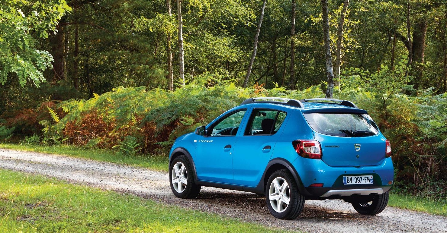 dacia releases first pictures of all new sandero stepway. Black Bedroom Furniture Sets. Home Design Ideas