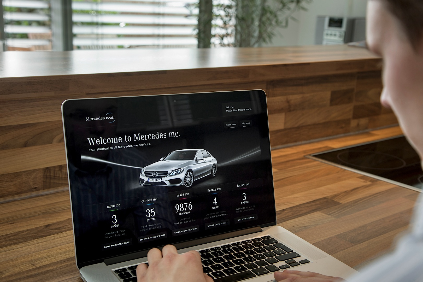 daimler launches revolutionary mercedes me service brand autoevolution. Black Bedroom Furniture Sets. Home Design Ideas