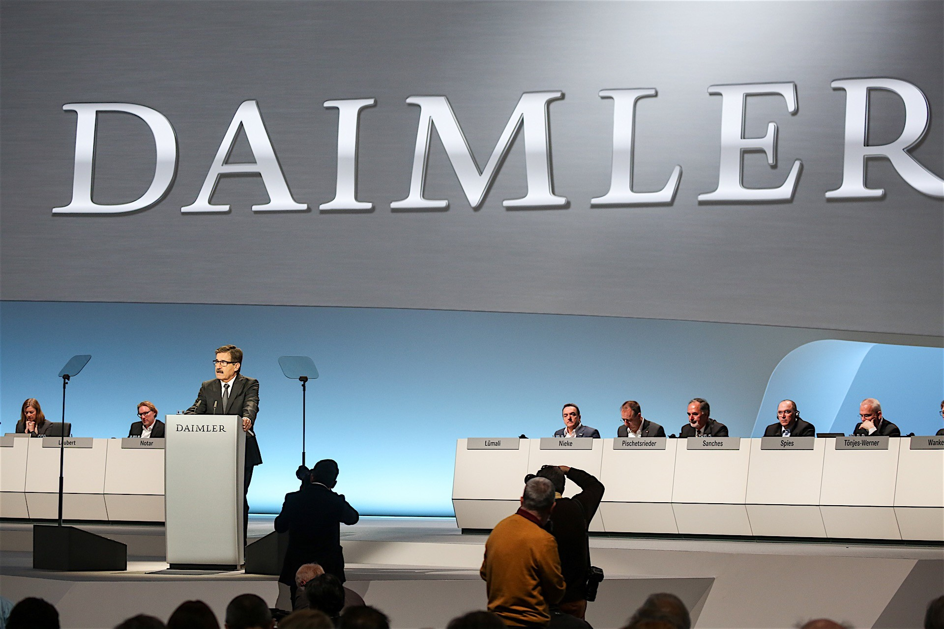 Daimler Wants To Launch At Least New Electric Cars By