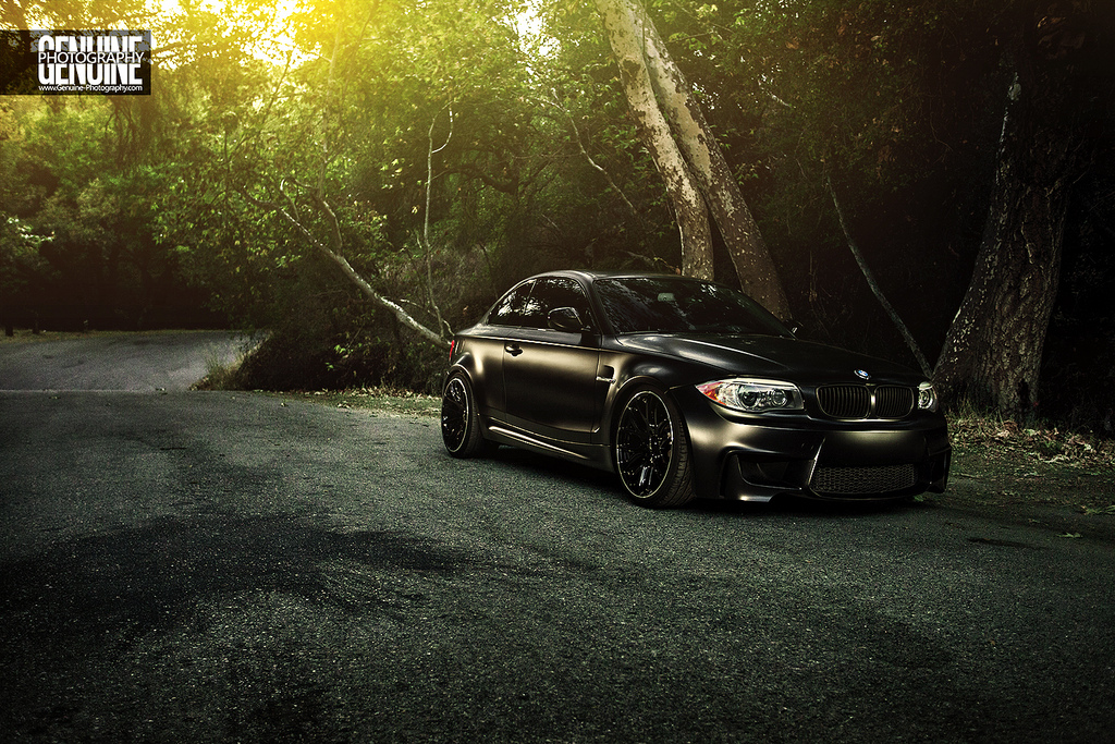 das bat is back the most evil bmw 1 series coupe roars again autoevolution. Black Bedroom Furniture Sets. Home Design Ideas