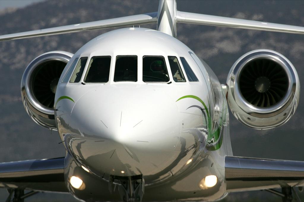dassault falcon 2000s business jet by bmw group designworksusa autoevolution. Black Bedroom Furniture Sets. Home Design Ideas