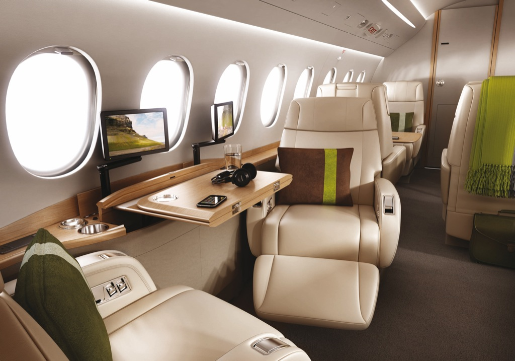 Dassault falcon 2000s business jet by bmw group for Interior designs 2000
