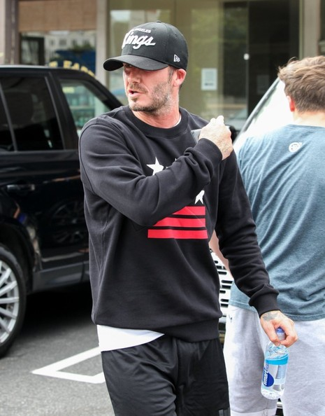 David Beckham Drives a New Ranger Rover: Careful Not to ...