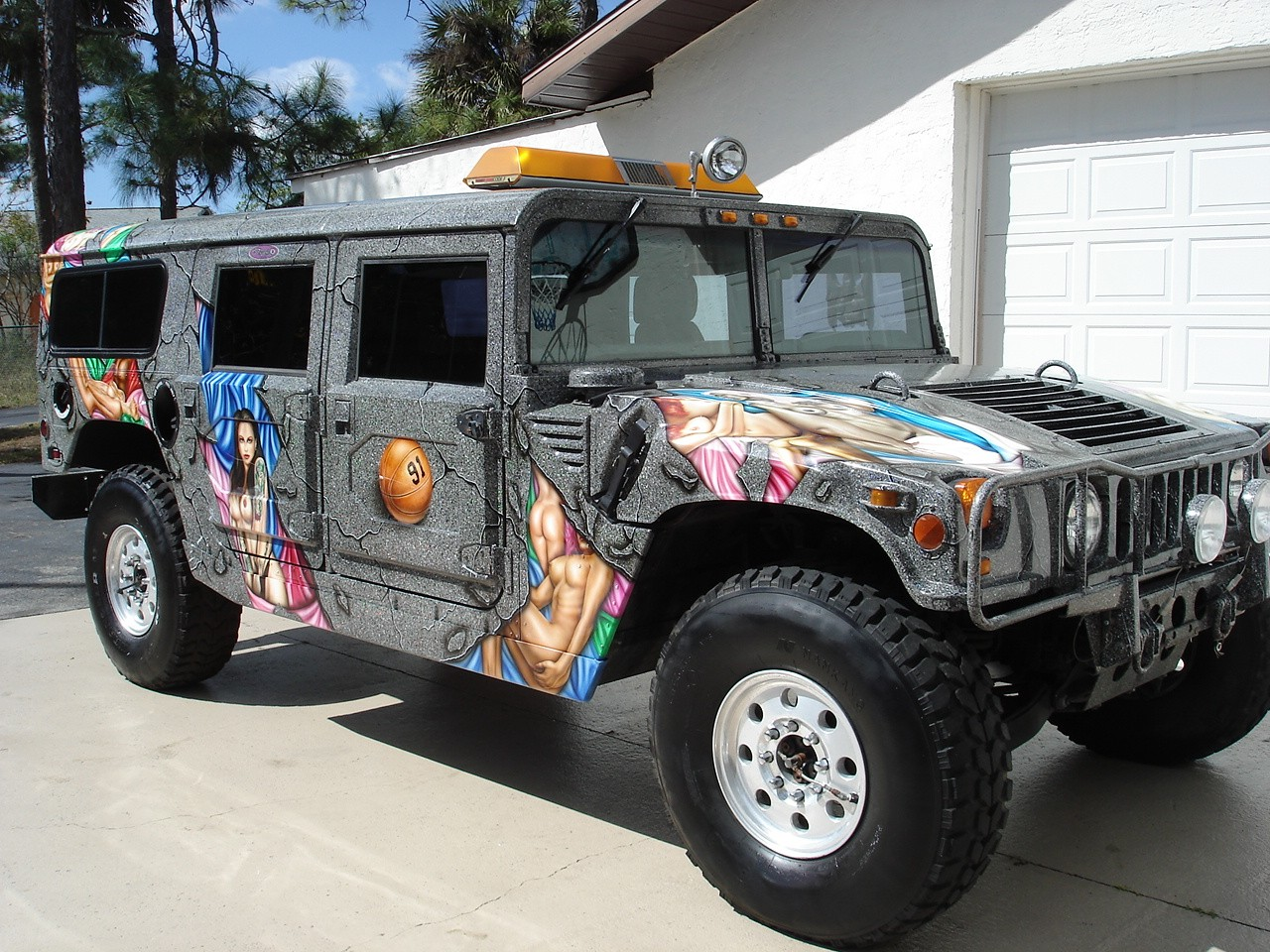 dennis rodman s hummer h1 is up for sale but will kim jong un buy it autoevolution. Black Bedroom Furniture Sets. Home Design Ideas