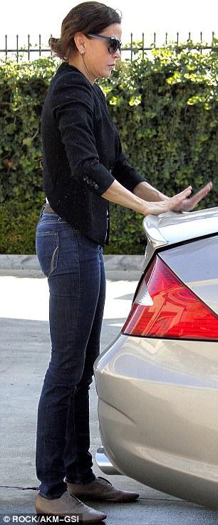 """Desperate Housewives"" Teri Hatcher Drives a Mercedes-Benz ..."