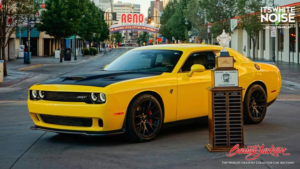 Charger Vs Challenger >> Sublime Green 2015 Dodge Challenger SRT Hellcat Spotted - autoevolution