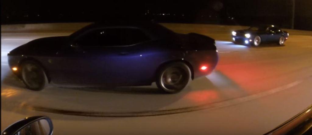 Dodge Challenger Hellcat vs TwinTurbo Chrysler 300 Drag Race