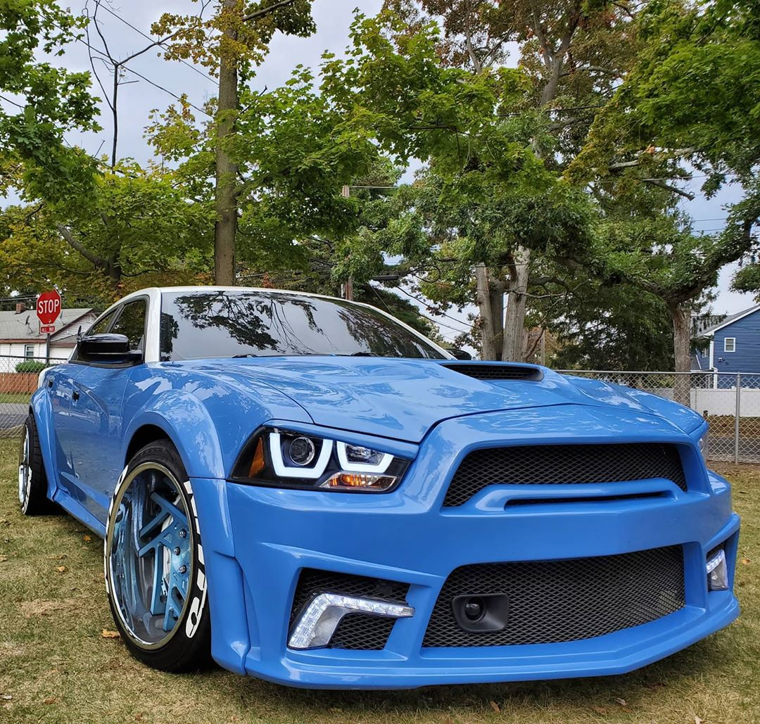 Dodge Charger Srt Smurf Used To Be A Police Car Autoevolution