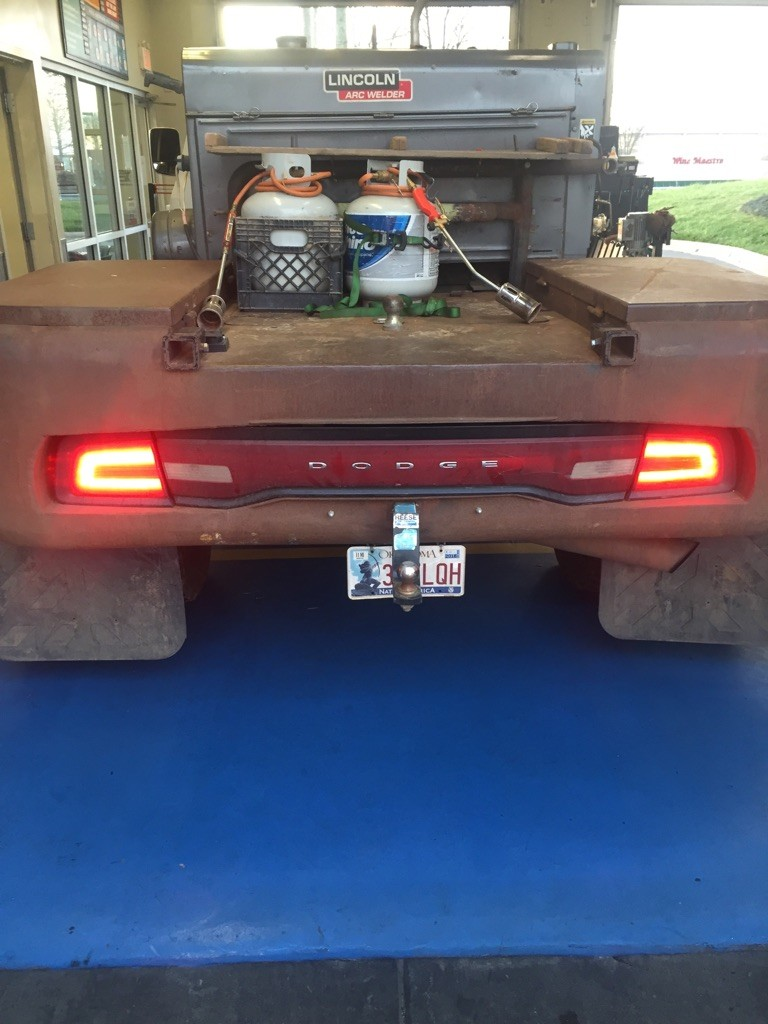 Dodge Charger Tail Lights >> Dodge Charger Taillights Mounted on Oil Field Work Trucks Are a Thing - autoevolution