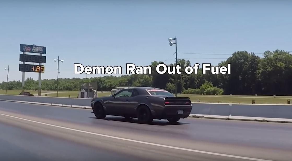 dodge demon drag races lamborghini huracan runs out of fuel mid race autoevolution dodge demon drag races lamborghini