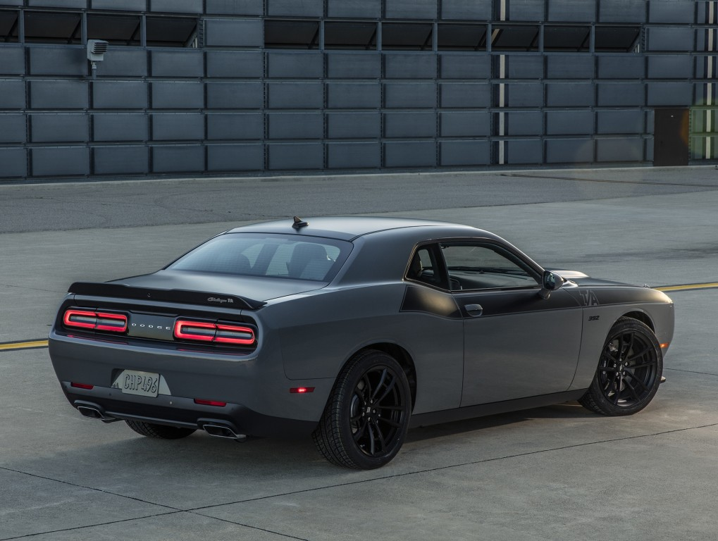 awd dodge challenger adr incoming 707 hp blown hemi v8 included autoevolution. Black Bedroom Furniture Sets. Home Design Ideas
