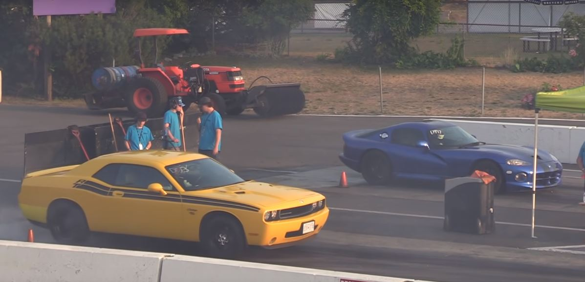 challenger rt manual vs auto