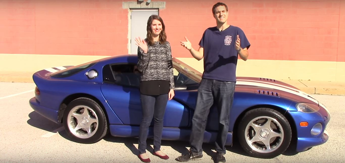 Dodge Viper 2017 Blue >> Doug DeMuro Teaches Female Friend to Drive Stick in His Viper, Breakdown Follows - autoevolution