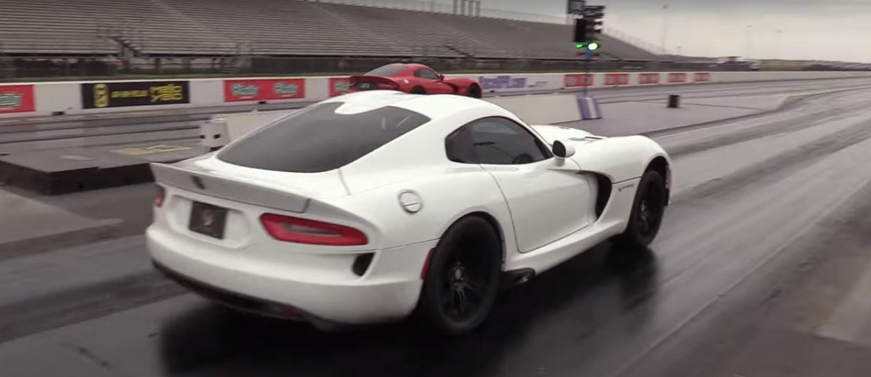 Etonnant Drag Racing Dodge Viper Blows Engine ...