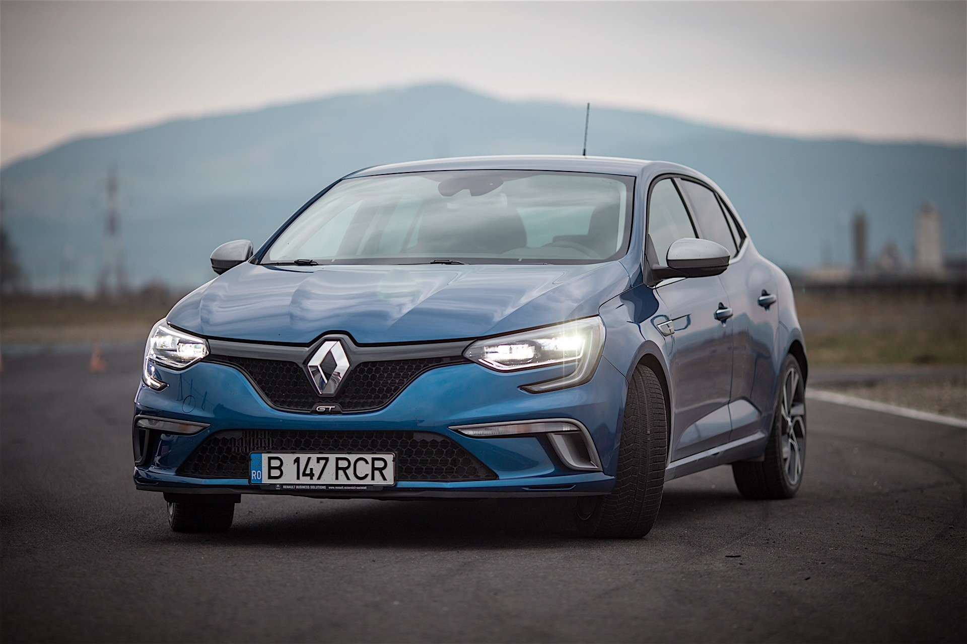 2016 renault megane gt costs 31 900 in france making it just 550 cheaper than megane rs. Black Bedroom Furniture Sets. Home Design Ideas