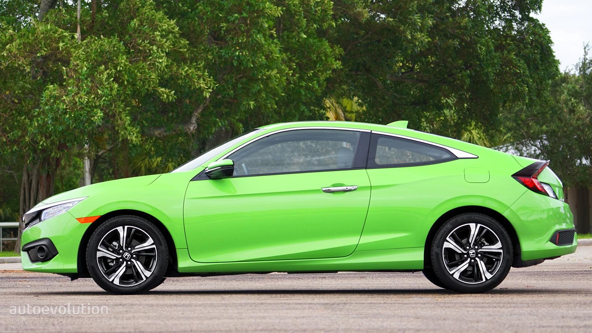 Driven 2017 honda civic coupe 1 5t autoevolution for 2017 honda civic green