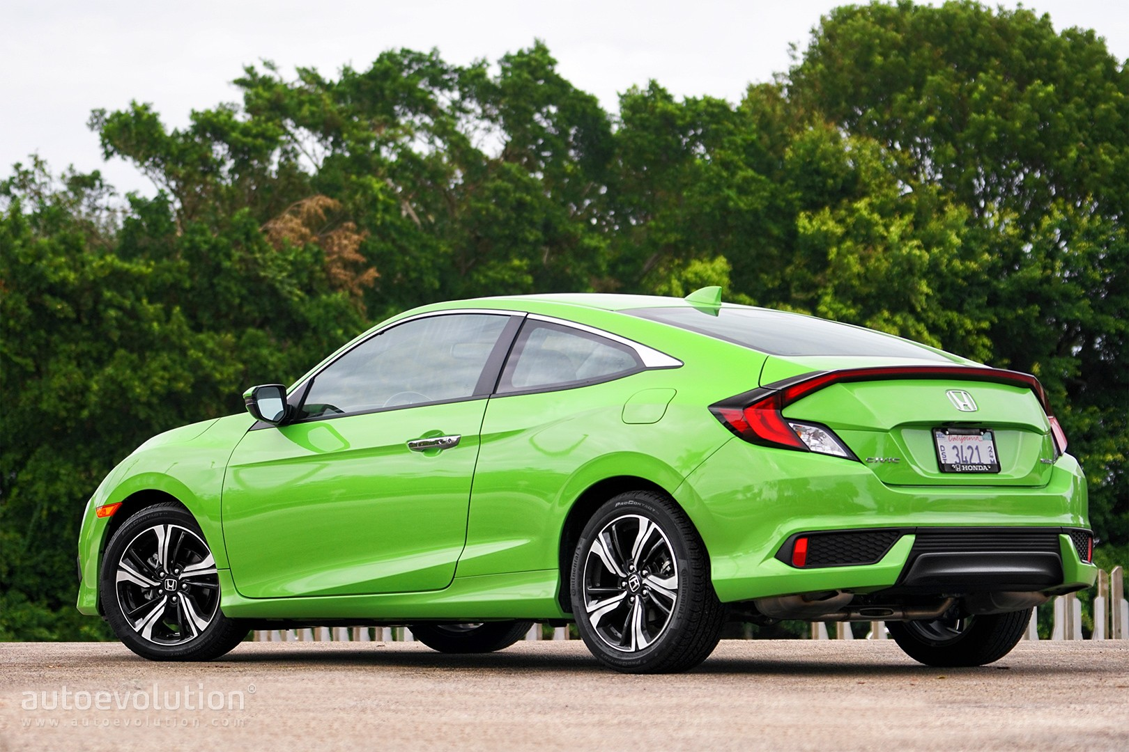 Driven: 2017 Honda Civic Coupe 1.5T - autoevolution