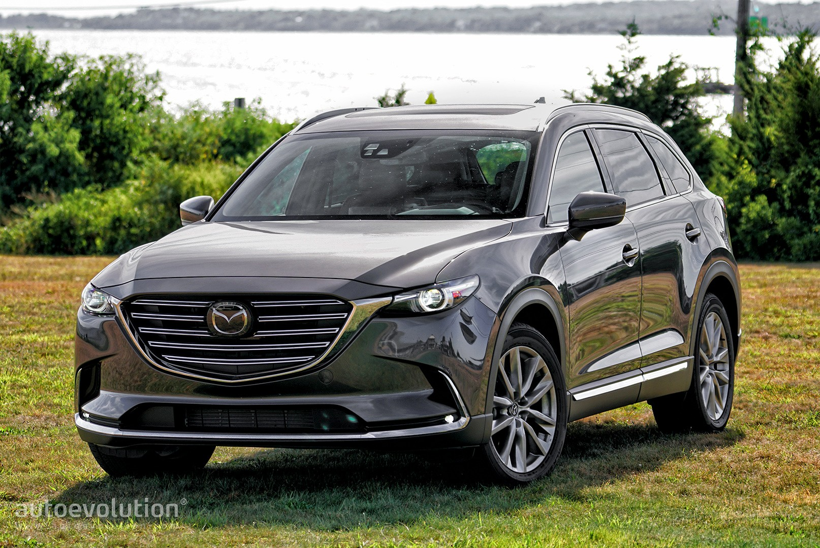 driven 2017 mazda cx 9 signature awd autoevolution. Black Bedroom Furniture Sets. Home Design Ideas