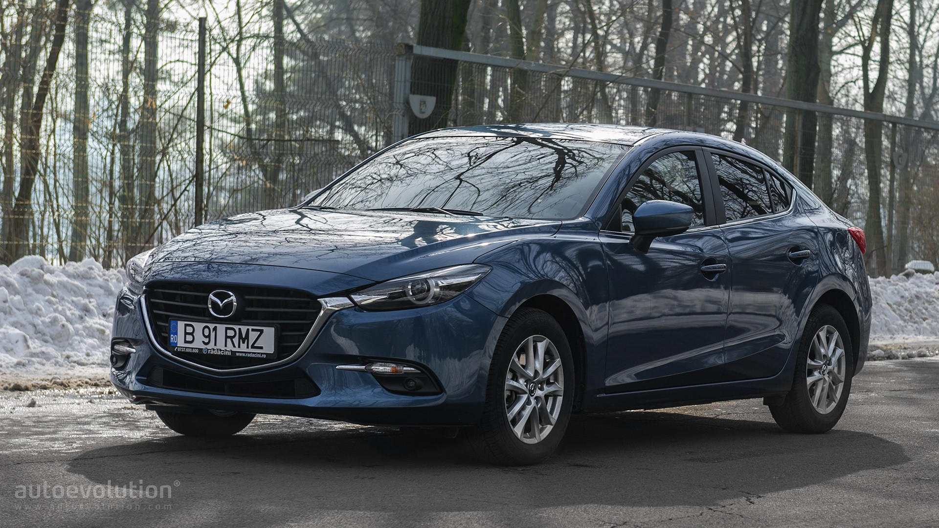 https://s1.cdn.autoevolution.com/images/news/gallery/driven-2017-mazda3-sedan-20-g120_14.jpg