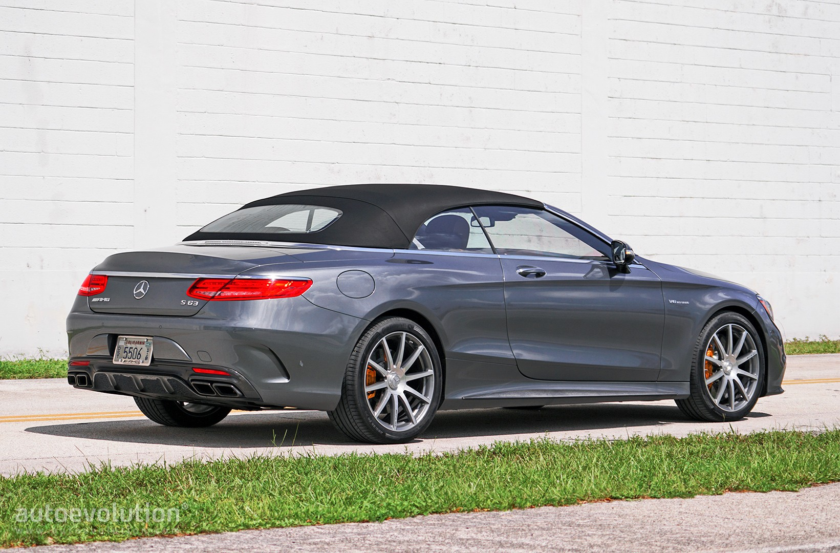 driven 2017 mercedes amg s63 cabriolet autoevolution. Black Bedroom Furniture Sets. Home Design Ideas
