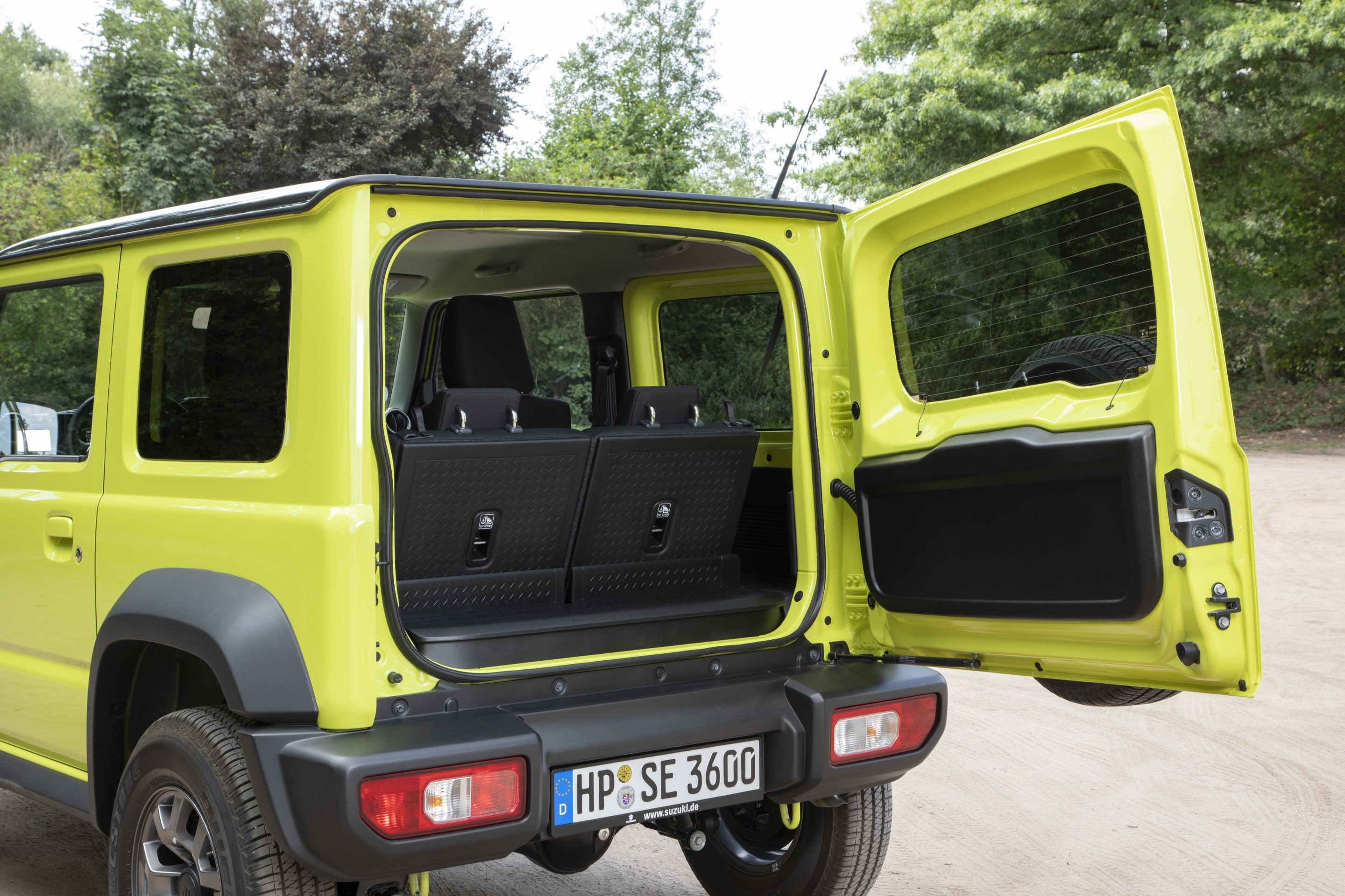 driven 2019 suzuki jimny autoevolution. Black Bedroom Furniture Sets. Home Design Ideas