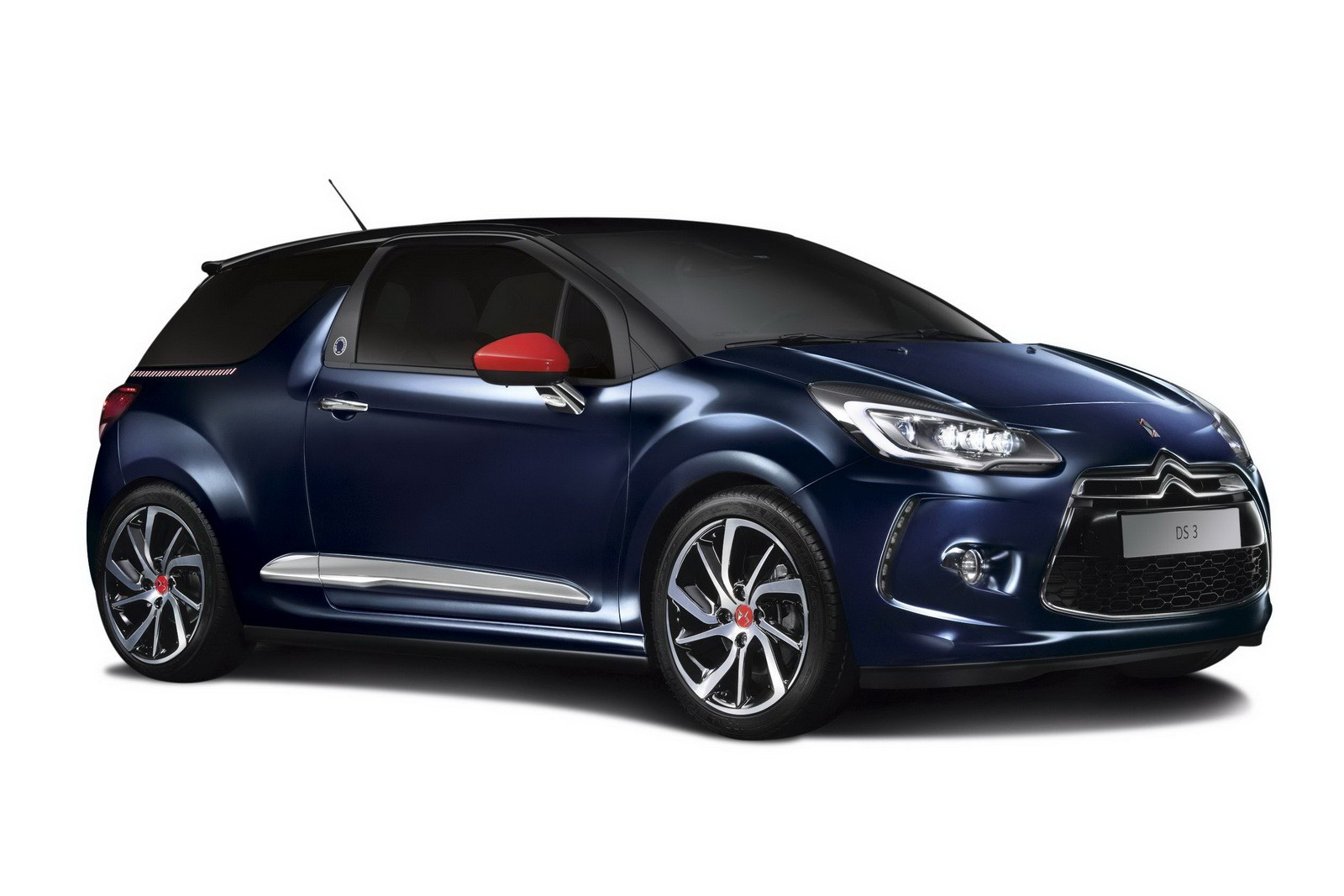 ds 3 ines de la fressange paris is the first car from the ds standalone brand autoevolution. Black Bedroom Furniture Sets. Home Design Ideas