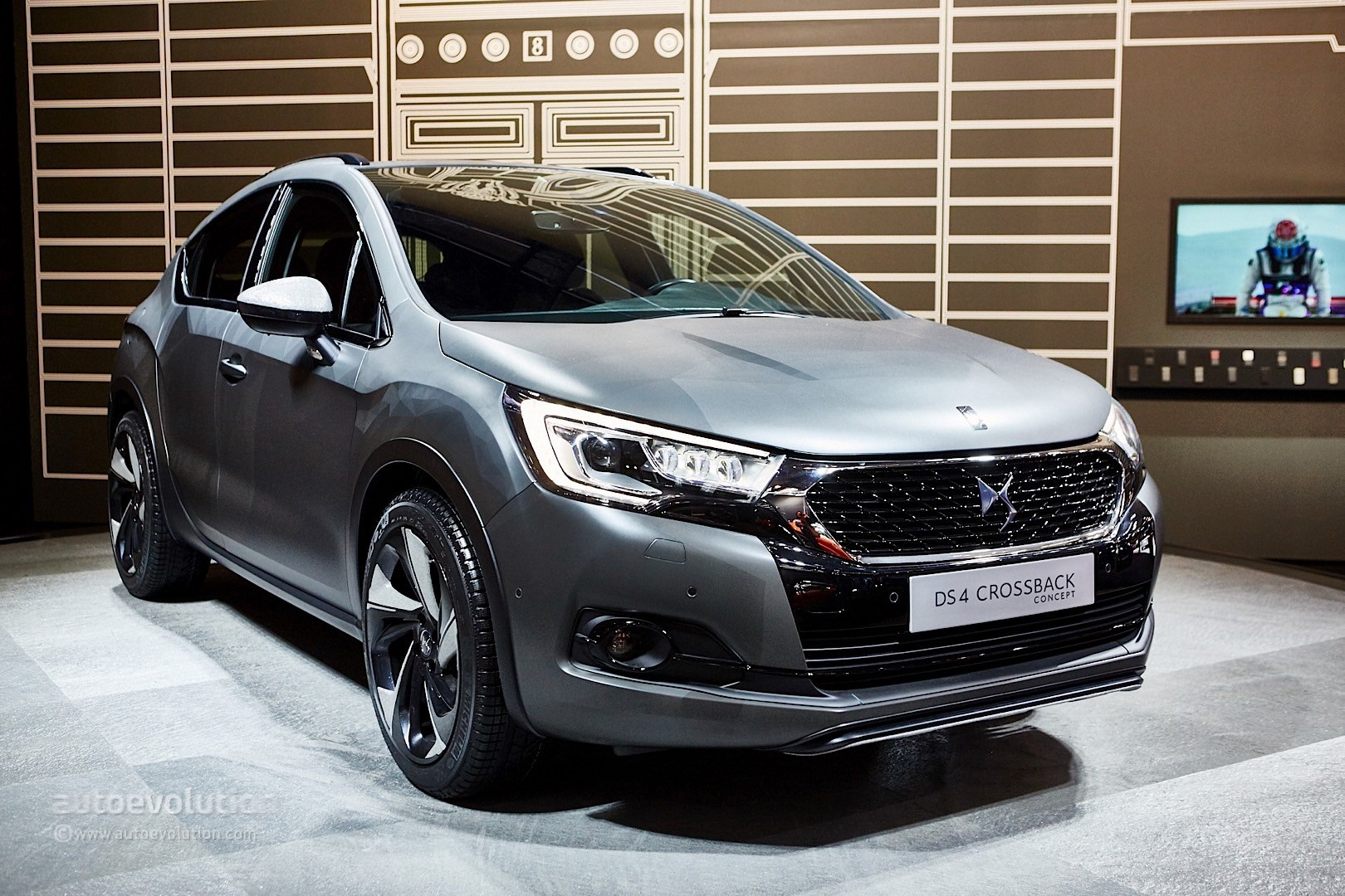 DS Automobiles Brings Compact Luxury to Frankfurt with Updated DS4  autoevolution