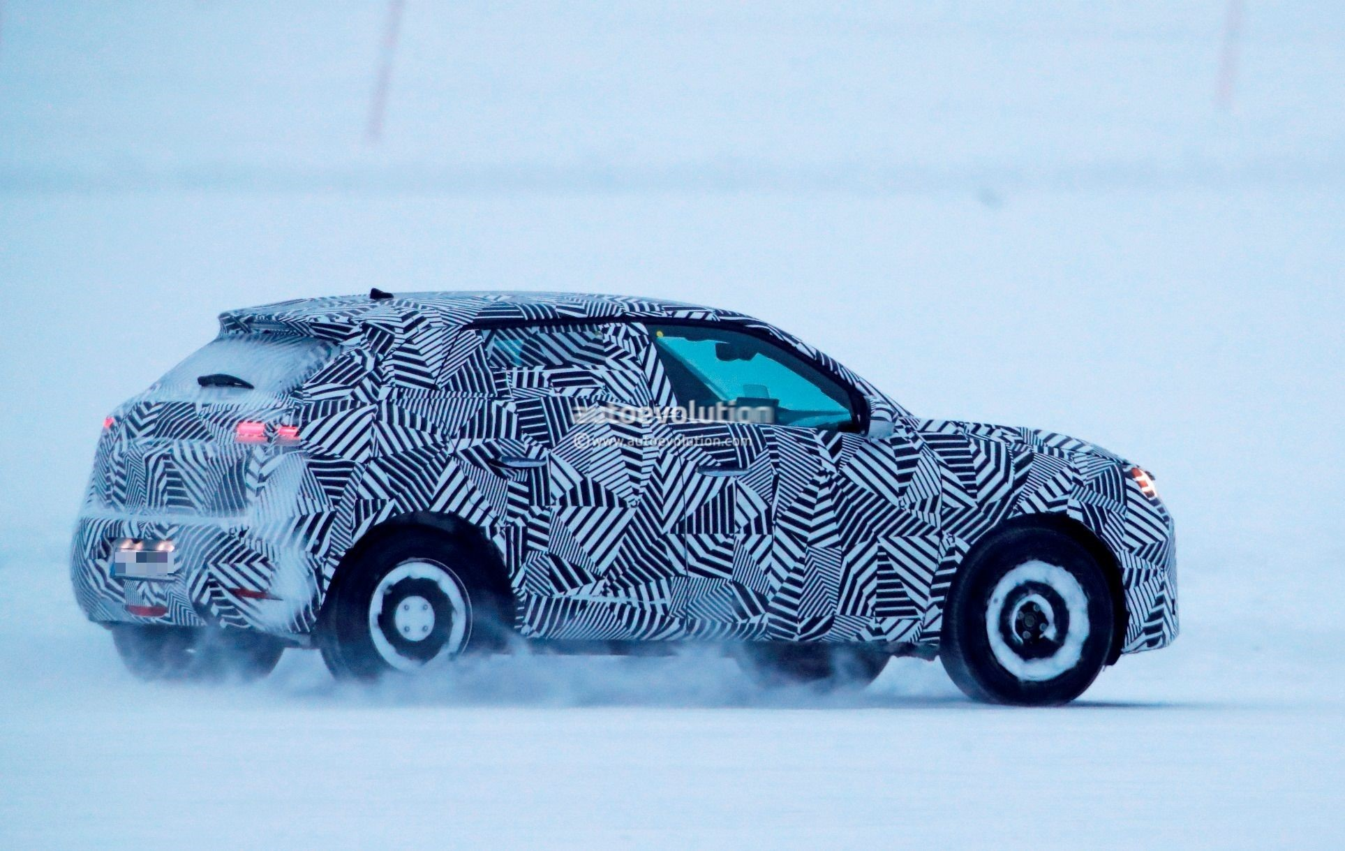2019 ds3 crossback spied testing in sub zero weather autoevolution. Black Bedroom Furniture Sets. Home Design Ideas
