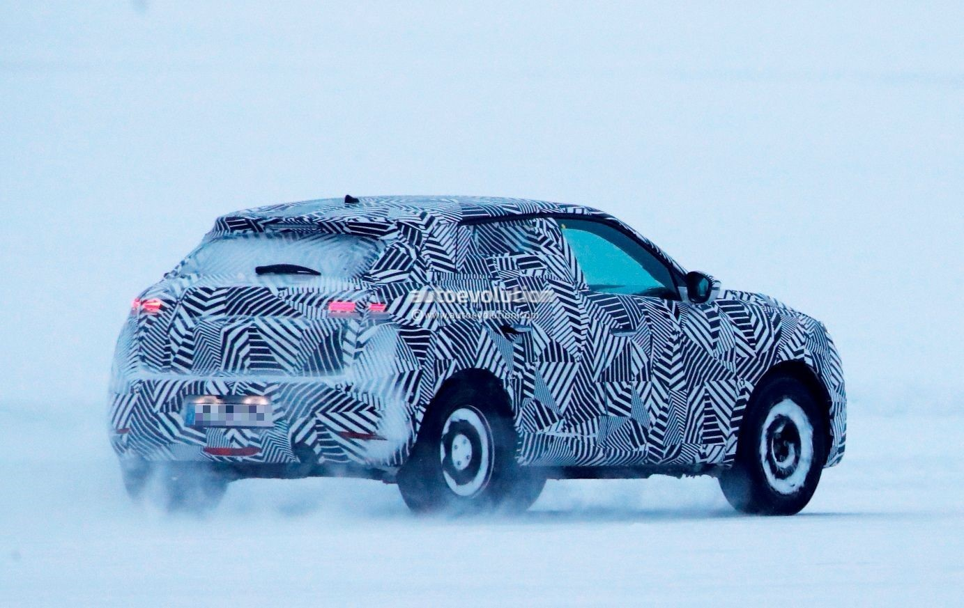 2019 Ds3 Crossback Spied Testing In Sub Zero Weather Autoevolution