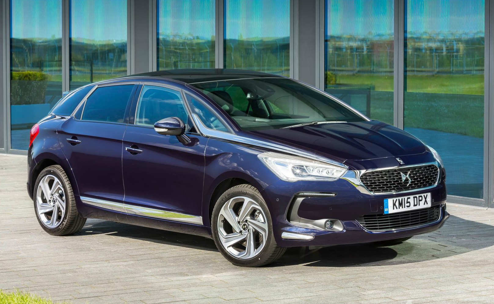 DS5 Hybrid Discontinued in UK Due to Poor Sales ...