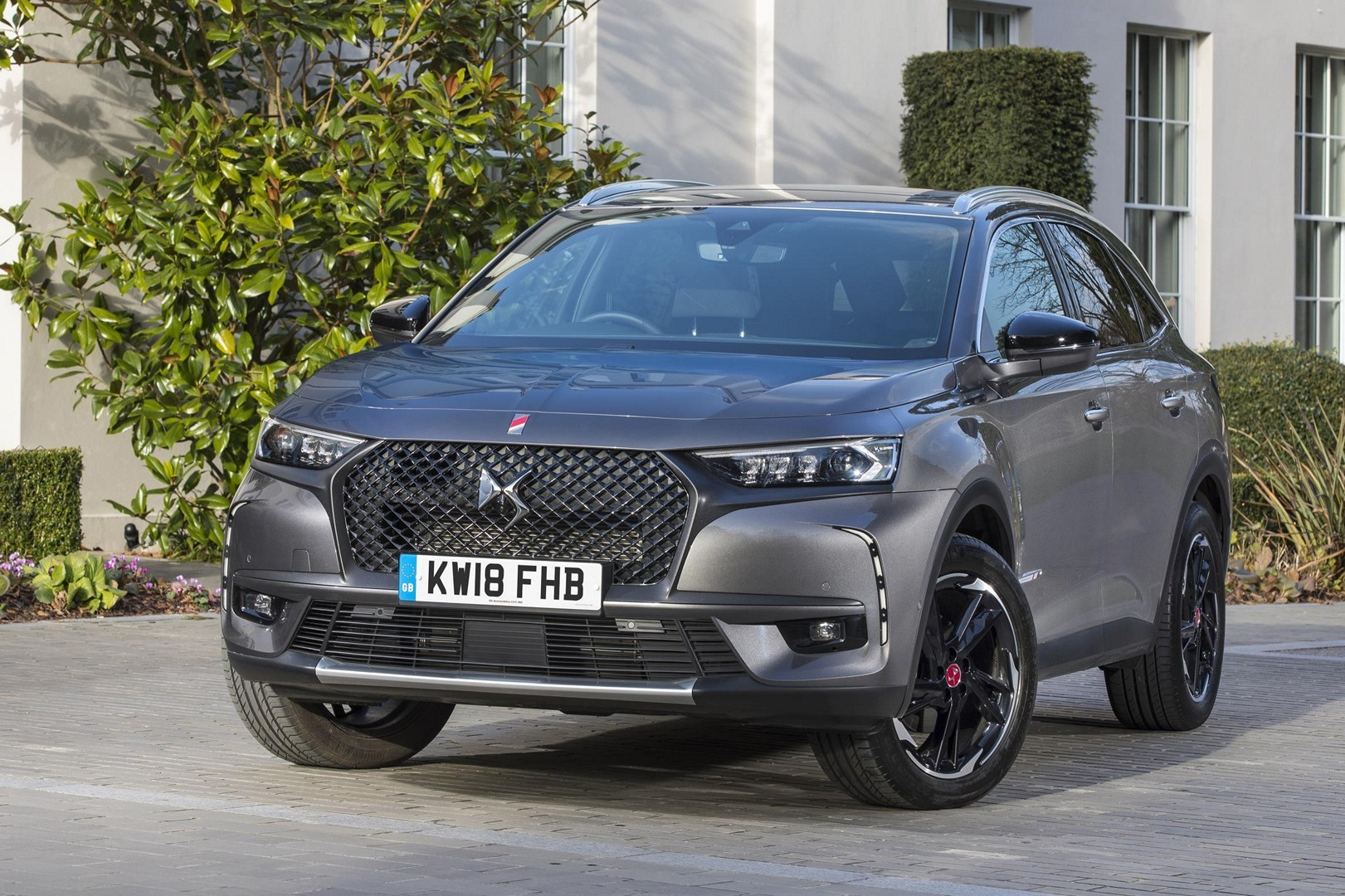 Ds7 Crossback Arrives In Britain Shows Every Toy In Full