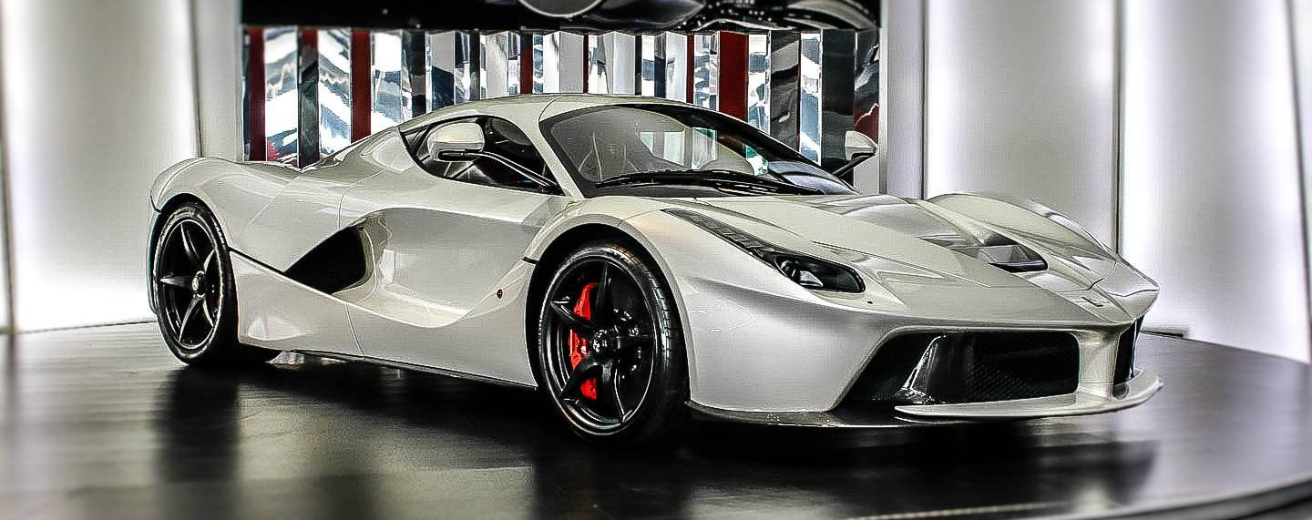 Laferrari For Sale >> Dubai Exotic Car Dealership Has Two Different LaFerraris ...