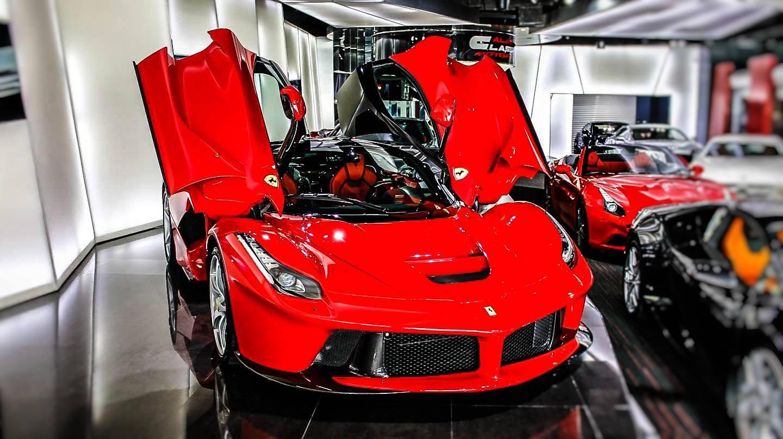 Car Dealerships In Dickinson Nd >> Dubai Exotic Car Dealership Has Two Different LaFerraris ...