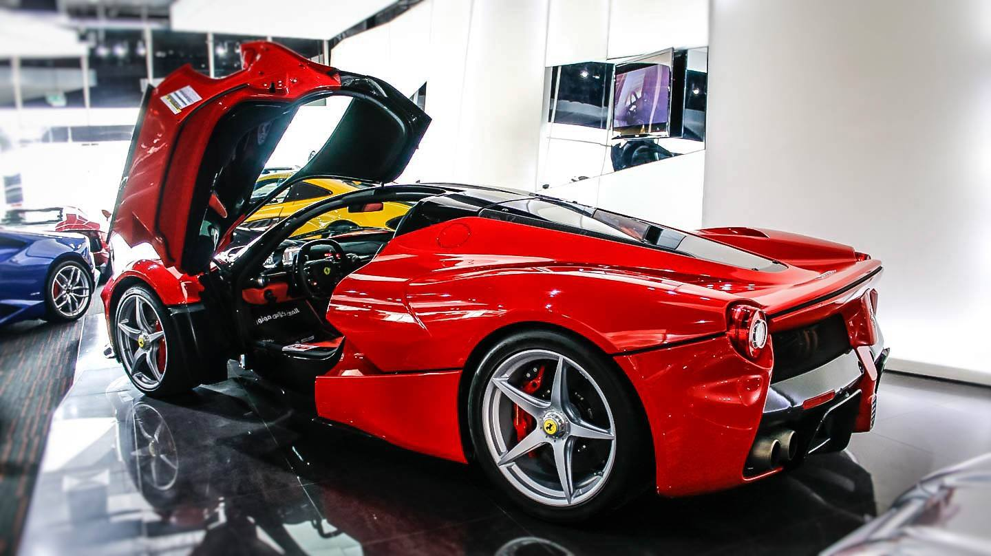 Cars For 500 Down >> Dubai Exotic Car Dealership Has Two Different LaFerraris ...
