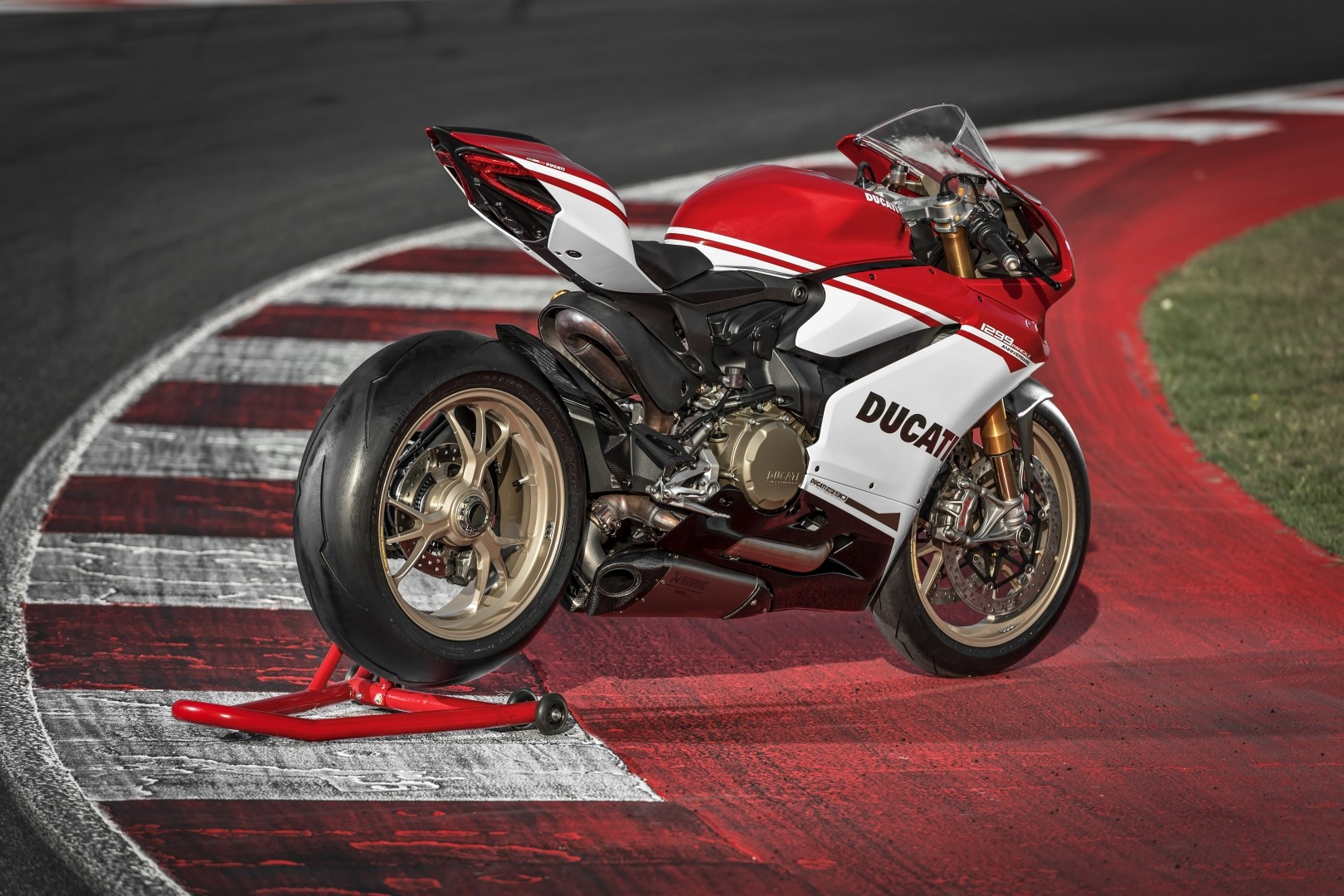 ducati 1299 panigale s anniversario unveiled autoevolution. Black Bedroom Furniture Sets. Home Design Ideas