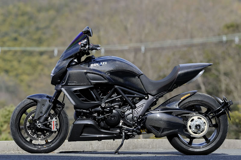 Ducati Diavel Fully Covered In Magical Racing Carbon