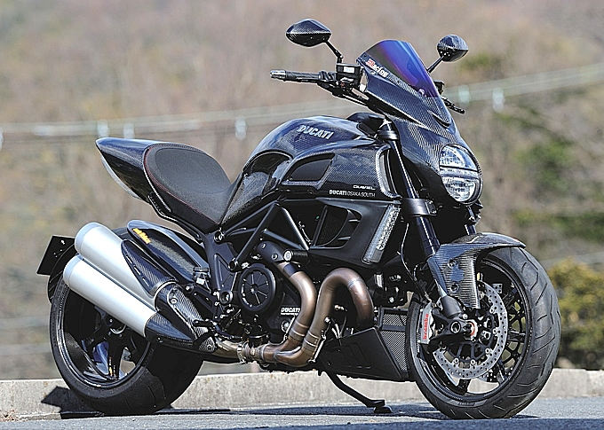 ducati diavel fully covered in magical racing carbon - autoevolution