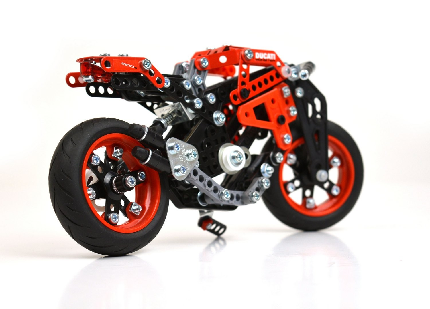 Best Meccano Sets And Toys For Kids : Ducati meccano model sets are probably the best build it