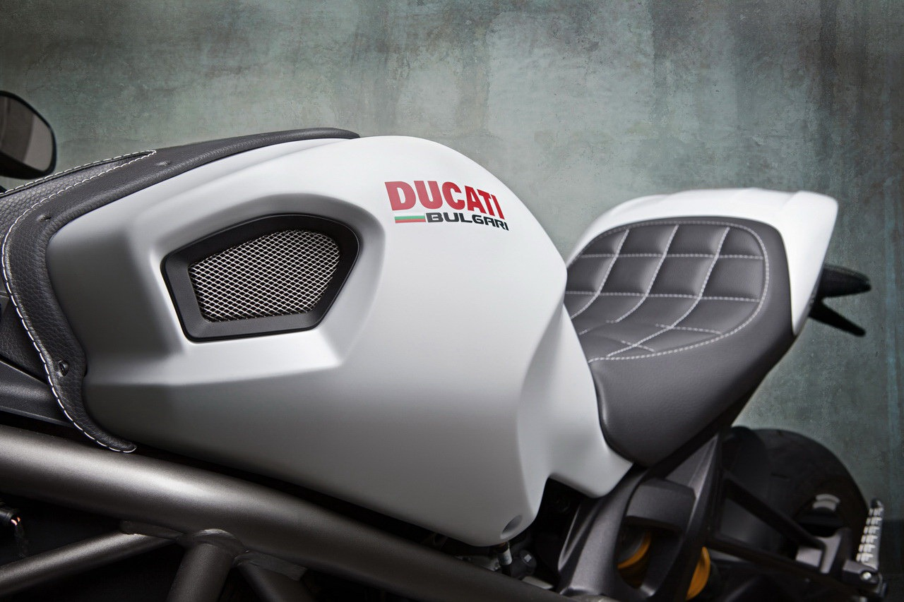 Ducati Monster 1100 EVO by Vilner - autoevolution