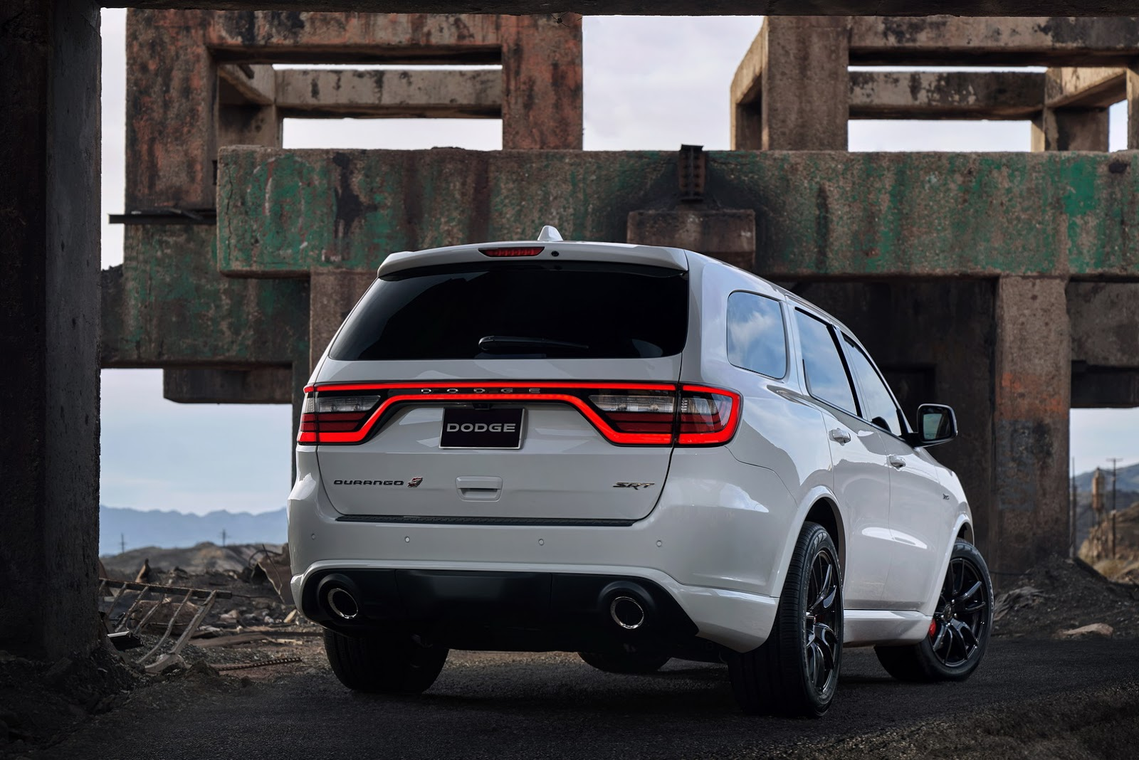 2018 Dodge Durango Srt Is America S Quickest Three Row Suv