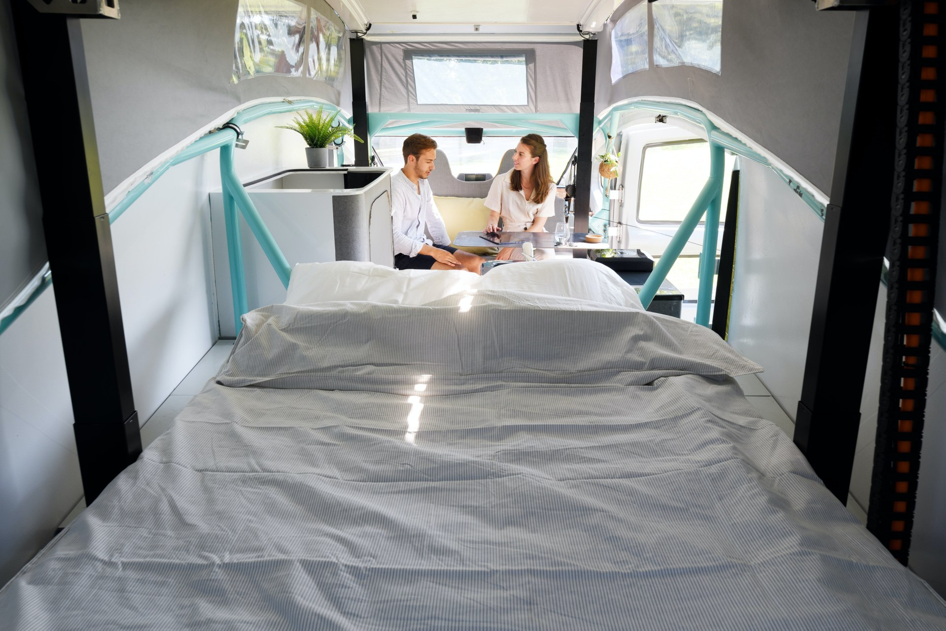 World's First Solar Powered Mobile Home to Go on 1,800 Mile Journey -  autoevolution