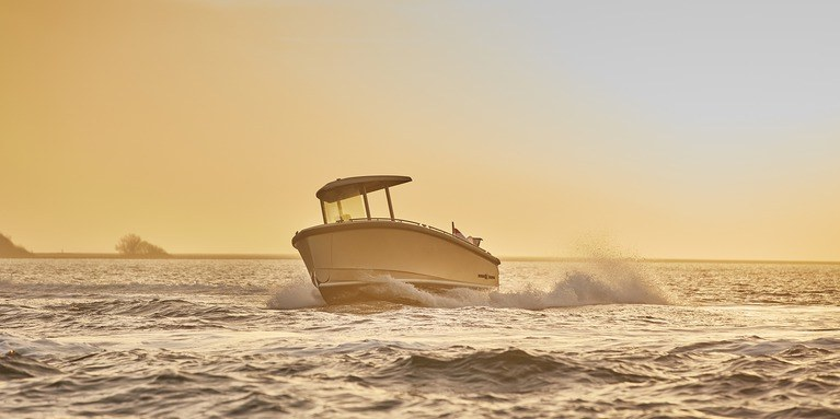 Dutchcraft 25 Tender The Swiss Fully Electric Army